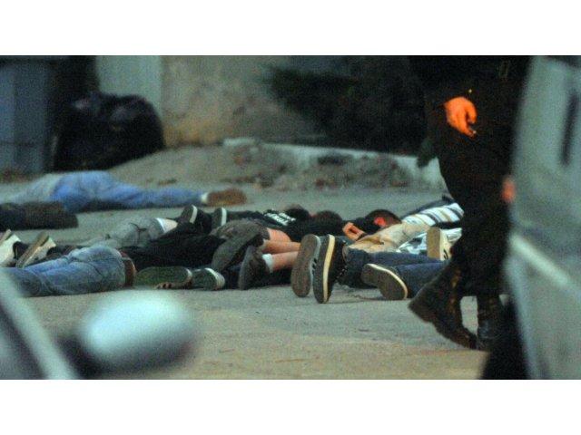 """Doi tineri bănuiți de înșelăciune prin metoda """"COVID-19"""", reținuți de polițiști"""