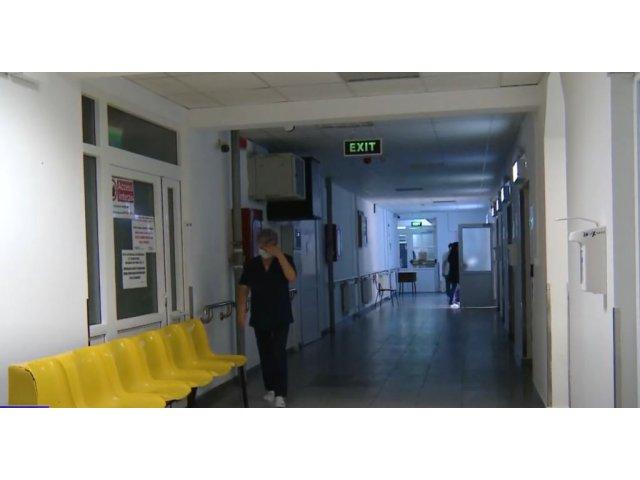O femeie internată în Botoșani a fost nevoită să sune la 112 ca să fie dusă...