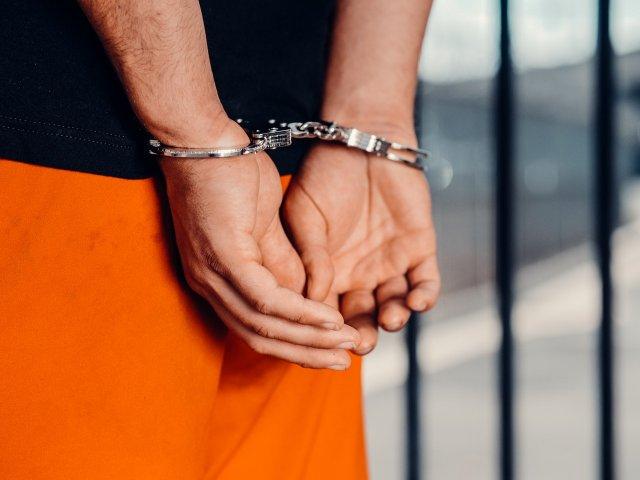 Trei elevi au fost reținuți și unul internat la Psihiatrie, după bătaia de la...