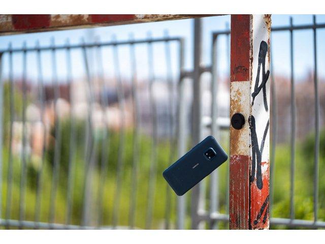 Nokia XR20: un mid-range rezistent la șocuri, cu obiective 5G și ZEISS