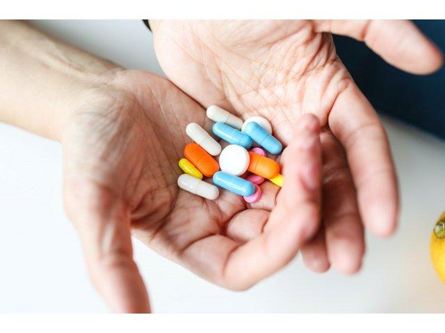 OMS recomandă un tratament pentru prevenirea formelor severe de COVID-19