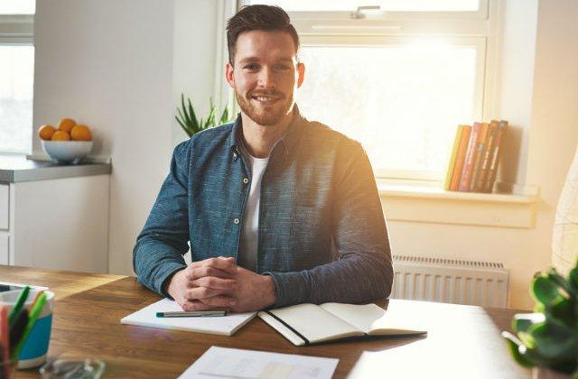 4 metode ieftine si inteligente pentru ca afacerea ta sa urce pe scara succesului
