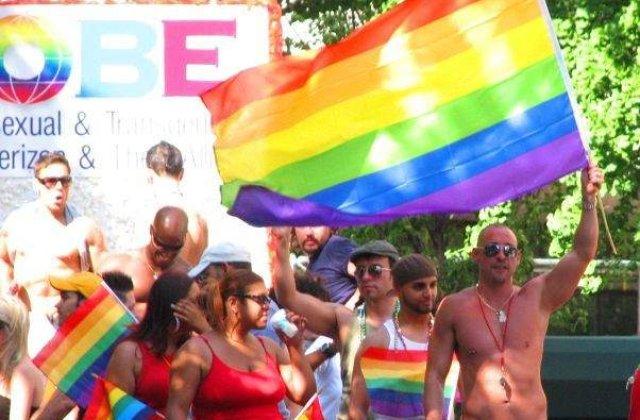 Peste 140 de raniti la Gay Pride in Belgrad