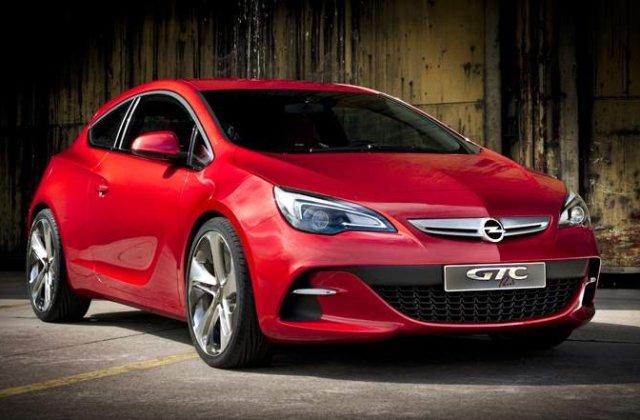 Opel Astra GTC: Noi poze si o surpriza. Una de aproape 300 de cai!