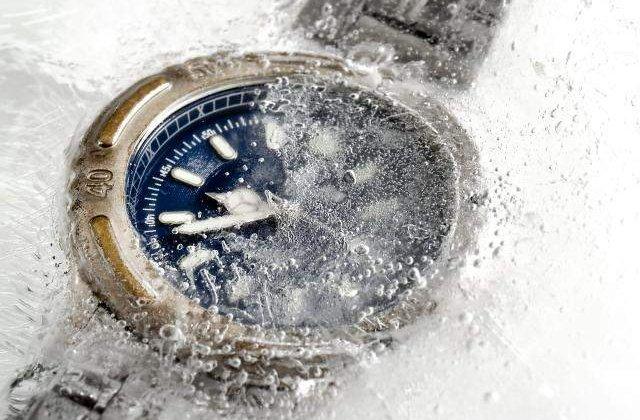 Romania trece la ora oficiala de iarna