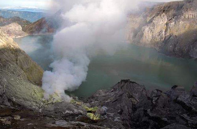 Indonezia: Vulcanul Merapi a inceput sa erupa