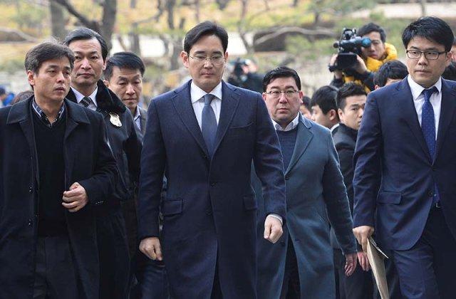 Seful Samsung, cu o avere de 6 mld de dolari, a fost inchis intr-o celula de 6 metri patrati, cu o saltea pe jos si fara dus