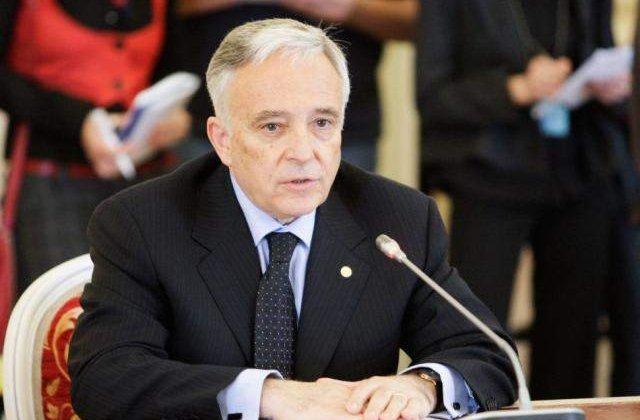 Isarescu: Solutia pentru redresarea economica nu este in imprumuturi