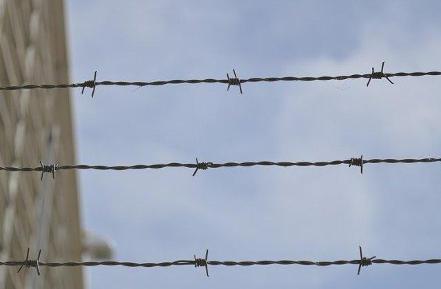 Un detinut de la Penitenciarul Rahova, condamnat la 13 ani pentru omor, a evadat de la un punct de lucru exterior