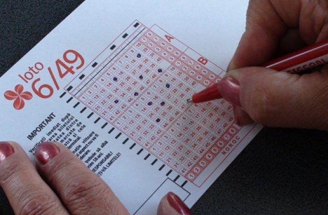 Angajatii Loteriei Romane picheteaza Ministerul Finantelor, cerand salarii mai mari