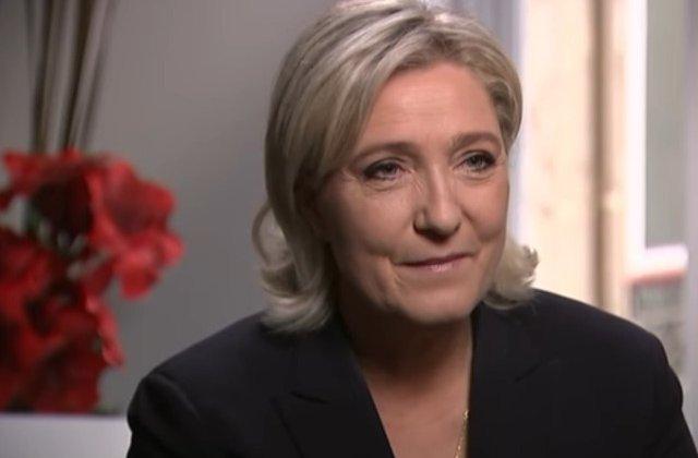 """Le Pen il acuza pe Macron ca este """"slab"""" in fata terorismului islamic"""