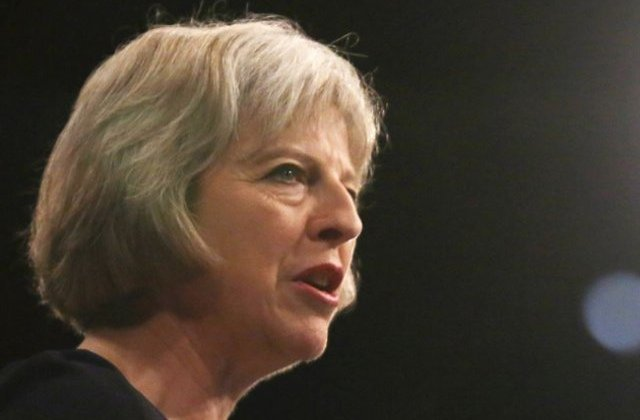 May il primeste pe Juncker la Londra inaintea summitului Celor 27 care va stabili liniile rosii UE