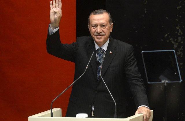 Erdogan, reales la conducerea AKP, partidul la putere in Turcia