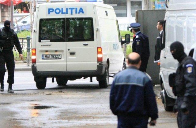 Perchezitii in Arges, fiind vizat un barbat suspectat de terorism care ar fi aderat la gruparea Stat Islamic