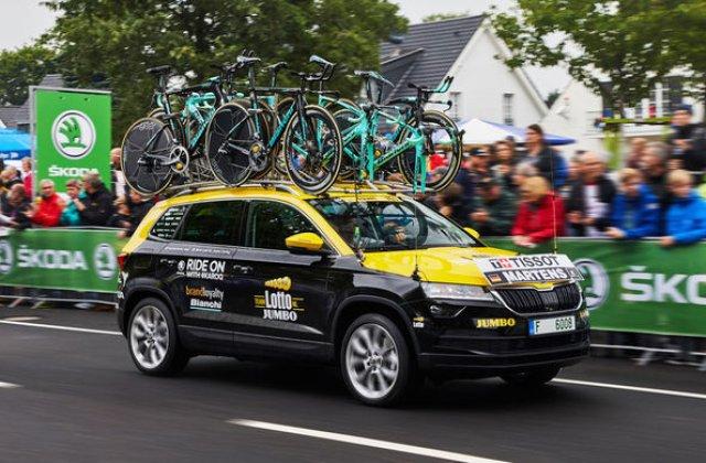 Prima aparitie publica a noului Skoda Karoq: SUV-ul compact a luat startul in Turul Frantei
