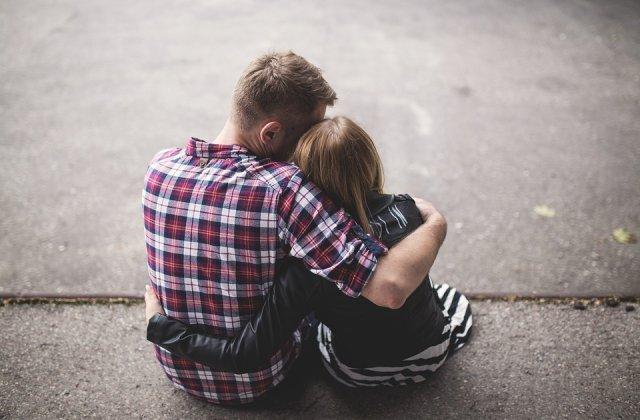 Psihoterapeut: Numarul barbatilor care apeleaza la terapia de cuplu incepe sa il egaleze pe cel al femeilor