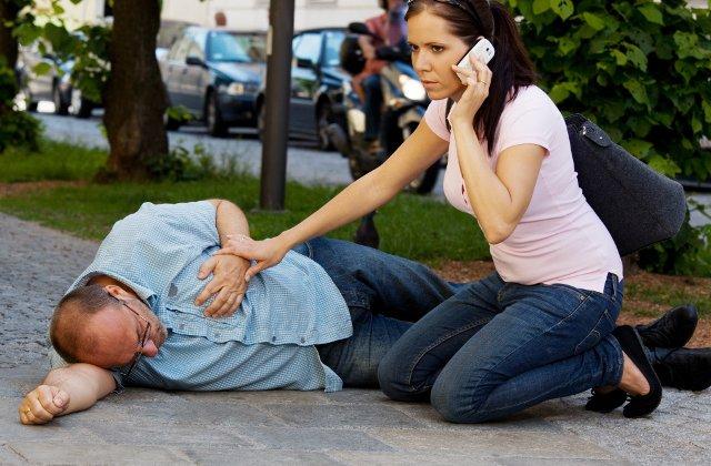 Cardiologi: Infarctul, cauza celor mai multe decese. La fiecare 30 de minute un roman sufera un infarct