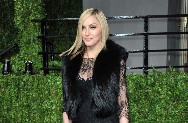 [FOTO] Madonna, cu fundul la vedere