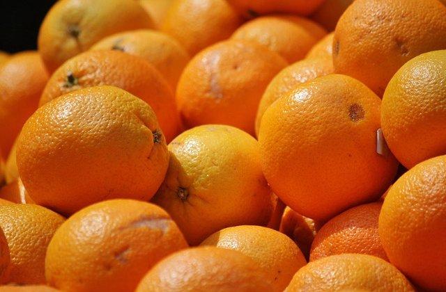 Cum sunt transformate cojile de portocale in articole vestimentare