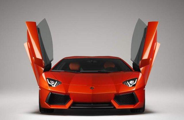 Ferrari FF si Lamborghini Aventador sunt deja vandute pentru primul an