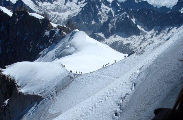 Un alpinist roman a murit pe Mont Blanc
