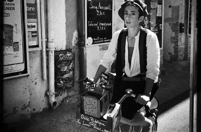Parisul vazut prin ochii unui om simplu. 10 fotografii care infatiseaza viata de zi cu zi
