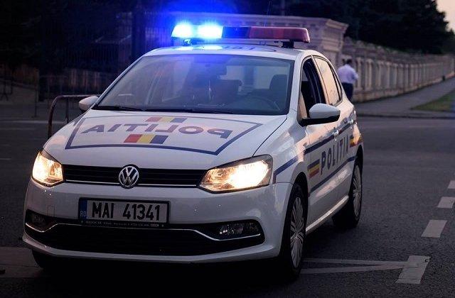 Doi politisti din Arad banuiti ca ar avea o plantatie de cannabis au fost retinuti de DIICOT