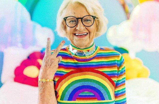 Cea mai simpatica bunicuta de pe Instagram, in 10 fotografii pline de culoare