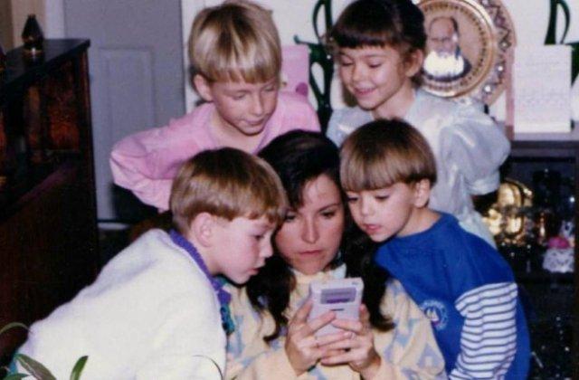 7 imagini memorabile care arata ca mamele ar face orice pentru fericirea copiiilor lor