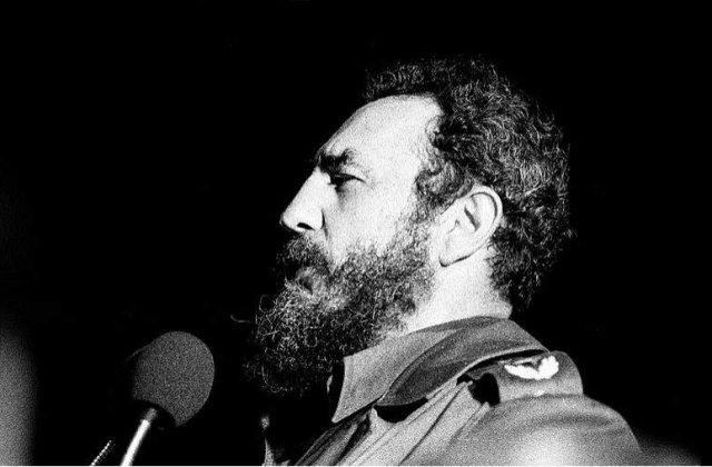 "Fidel isi ia treptat ""la revedere"" de la Cuba!"