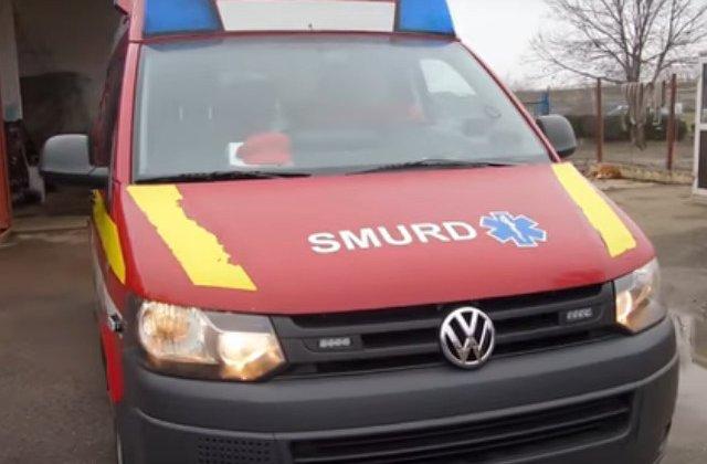 Cinci copii au fost loviti de o masina in timp ce asteptau autobuzul in statie