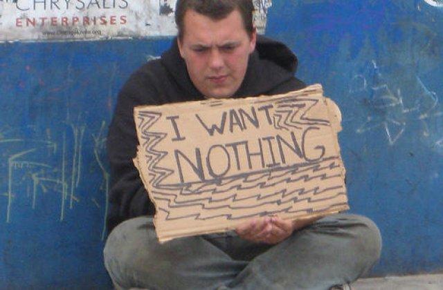 Optimismul nu tine cont de bani. 10 oameni ai strazii care nu si-au pierdut simtul umorului nici in cele mai nefericite situatii