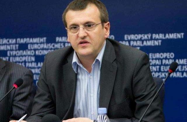 Europarlamentarii PSD: Solicitarea lui Cristian Preda de suspendare a dreptului de vot al Romaniei in Consiliul European - un gest iresponsabil si rusinos