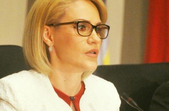 """Asociatia """"Romania fara ei"""" a depus plangere penala impotriva Gabrielei Firea pentru organizarea ilegala a targului din Piata Victoriei"""