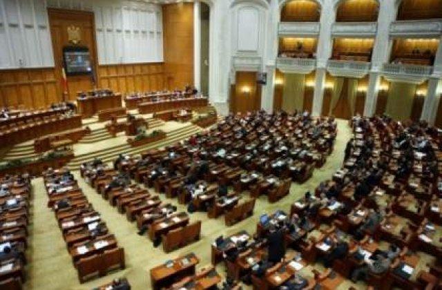 Cine a absentat cel mai mult de la Senat si Camera