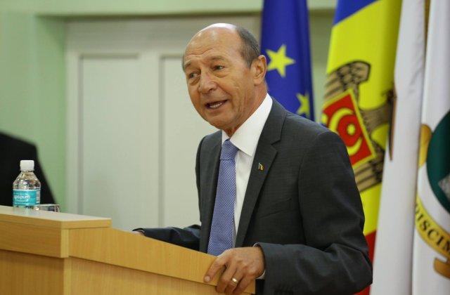 Basescu: Presedintele avea marja constitutionala pentru a respinge nominalizarea Vioricai Dancila