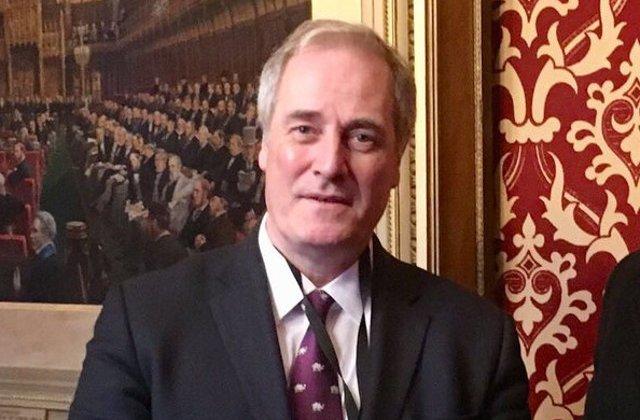 Marea Britanie: Un ministru a demisionat pentru ca a intarziat la sedinta