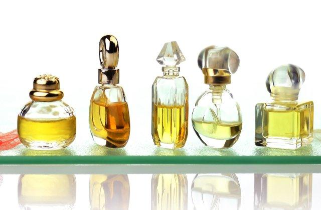 8 moduri neasteptate in care poate fi utilizat parfumul