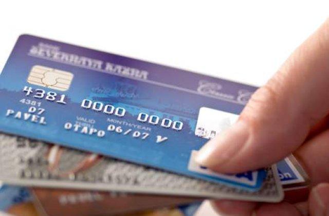 Premiera: Carduri bancare pentru nevazatori!