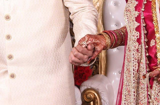 Fetita de 7 ani, violata si ucisa in timpul unei nunti, in India