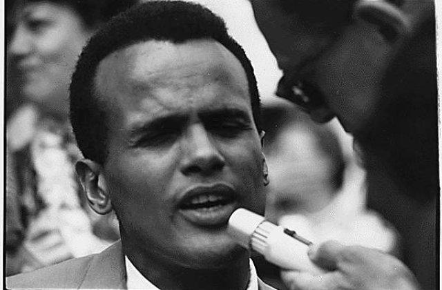 Cantaretul Harry Belafonte: Barack Obama nu are curaj si viziune