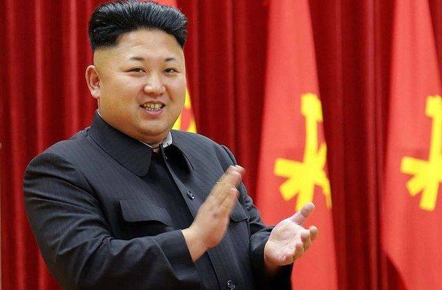 Kim Jong-un, primul lider nord-coreean care a trecut pe jos granita in Coreea de Sud / VIDEO