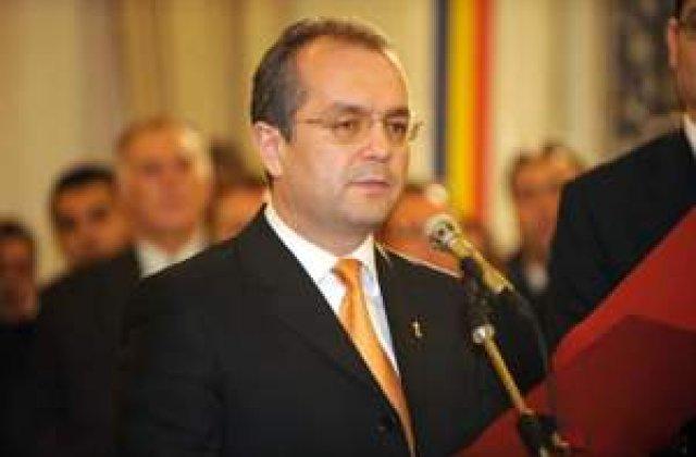 Boc: Guvernantii trebuie sa fie garantia ca romanii o pot duce bine si in 2009