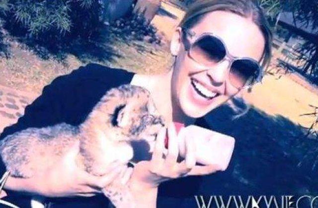 "Kylie Minogue a devenit ""mamica de leu"""