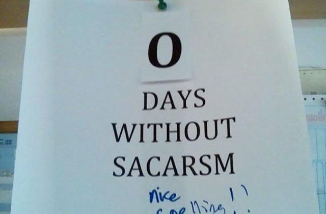 10 bilete sarcastice afisate la munca pentru colegii care nu stiu de gluma