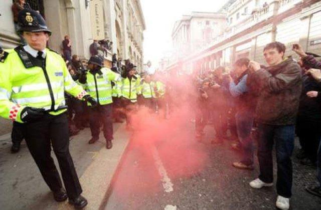 Copiii de bani gata au iesit pe strazile din Londra