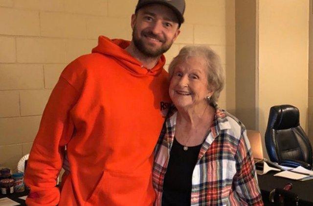 Justin Timberlake si-a surprins cel mai devotat fan: o batrana in varsta de 88 de ani / VIDEO