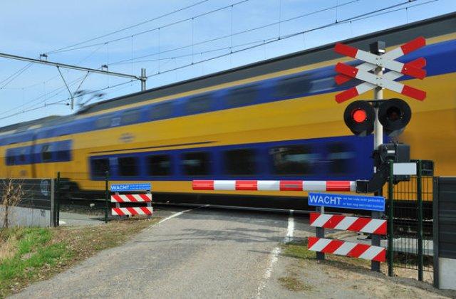 Masuri pentru siguranta rutiera: trecerile la nivel cu calea ferata de pe drumurile nationale vor avea bariere