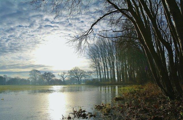 Cod portocaliu de inundatii pe rauri din patru judete, pana duminica la ora 18