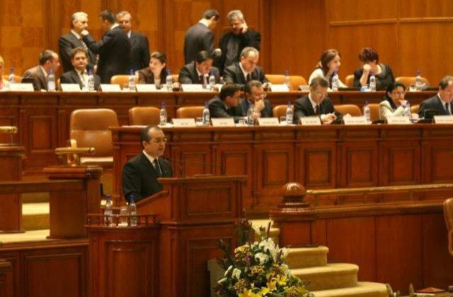 Cum isi angajeaza deputatii rudele in Parlament